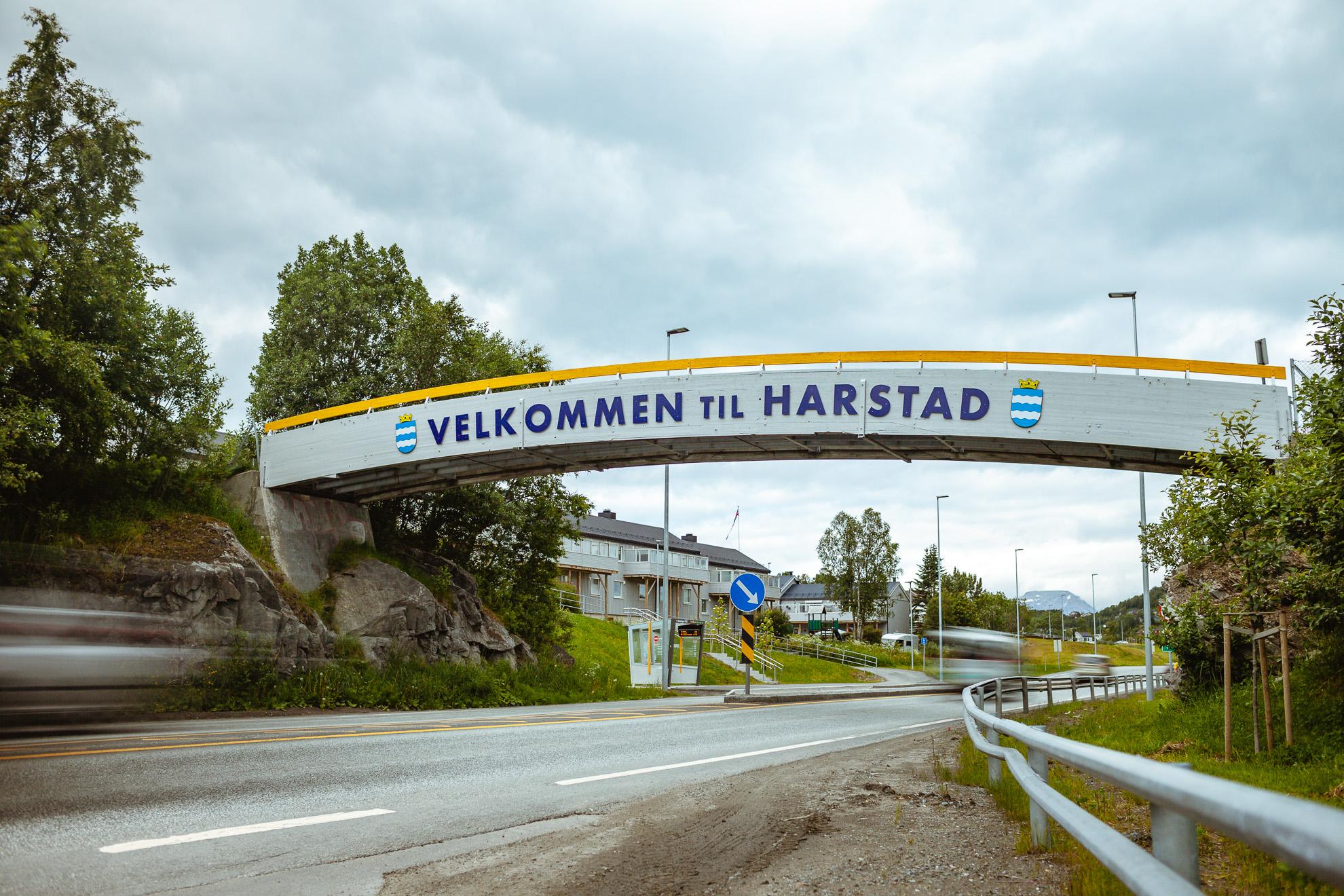 Velkommen til Harstad skilt
